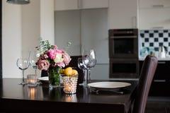 Äta middag tabelluppsättningen Royaltyfria Foton
