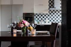 Äta middag tabelluppsättningen Royaltyfri Bild