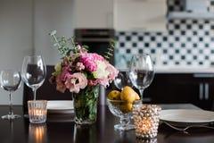 Äta middag tabelluppsättningen Royaltyfri Fotografi