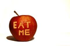 Äta mig det röda äpplet Royaltyfria Foton