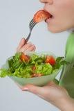 äta salladkvinnan Royaltyfria Foton