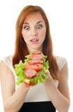 äta snabbmatkvinnabarn Royaltyfri Foto