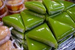 Äta som ska köpas i en vietnamesisk supermarket arkivfoto