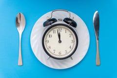 äta tid till Äta lunch Tid, frukosten och matställebegreppet royaltyfria bilder