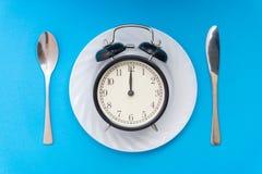 äta tid till Äta lunch Tid, frukosten och matställebegreppet royaltyfri bild