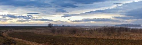 Ätherische Landschaft mit schwermütigem Himmel über Nationalpa Stockfotos