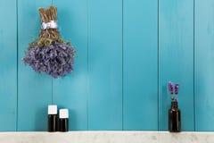 Ätherisches Öl des Lavendels lizenzfreie stockfotos