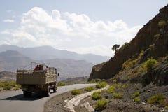 Äthiopische Arbeitskräfte auf einem LKW Lizenzfreies Stockfoto
