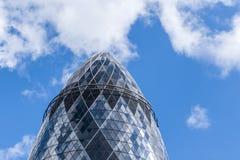 Ättiksgurkaskyskrapan London England Förenade kungariket Fotografering för Bildbyråer
