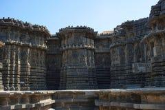 Äußere Ansicht Hoysalesvara-Tempel, Halebid, Karnataka, 12. Jahrhundert Shiva Tempel Stockfoto