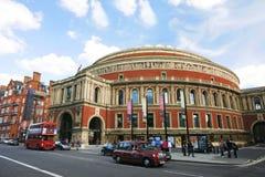 Äußere Ansicht von königlichem Albert Hall am sonnigen Tag Lizenzfreie Stockbilder