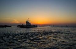 Äußere Banken, NC-Sonnenuntergang-Jachthafen stockbild