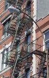 Äußere Eisen-Treppenhäuser im Greenwich Village, NYC lizenzfreies stockbild