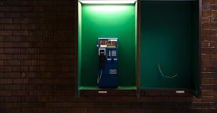 Äußere Telefone nachts Stockbild