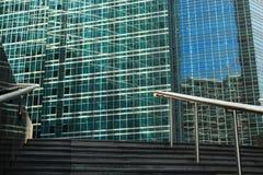 Äußere Treppe und Geländer Stockfotos