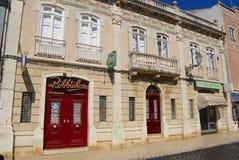 Äußeres des traditionellen Gebäudes in Lagos, Portugal Lizenzfreies Stockbild