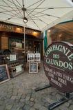 Äußeres eines Calvados-Apfelweinspeichers Lizenzfreie Stockbilder