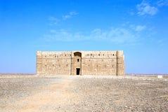 Äußeres von Wüstenschloss Qasr-Al-Harrana, Amman, Jordanien lizenzfreie stockfotos