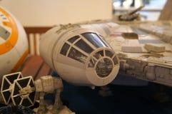 千年隼号从争霸特权电影的太空船比例模型  免版税图库摄影