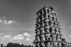 坦贾武尔钟楼-在黑白 免版税库存照片