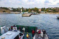 塞瓦斯托波尔,克里米亚- 2014年9月:轮渡'伊斯托明海军上将' 免版税库存图片