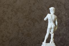 大卫米开朗基罗背面图背景雕象2019年 库存照片