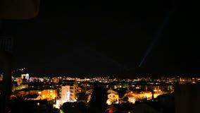 夜旅游度假胜地或布德瓦市、美好的风景与光从灯笼和大厦 股票视频