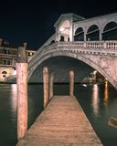 威尼斯大石桥的桥梁在威尼斯意大利 库存照片