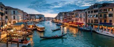 威尼斯在晚上,意大利全景  库存照片