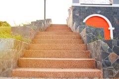 室外楼梯,用水泥涂在楼上, 免版税图库摄影