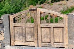 对庭院的入口门 库存照片