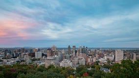 对蒙特利尔街市都市风景夜timelapse的空中下午从皇家山的 影视素材