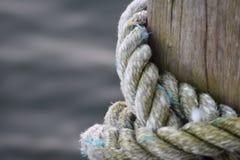 小船的绳索 图库摄影
