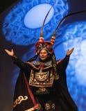 2019年公平地佛罗里达状态的五颜六色的中国马戏团执行者 免版税库存图片