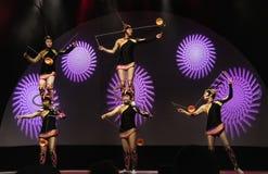 2019年公平地佛罗里达状态的五颜六色的中国马戏团执行者 库存图片