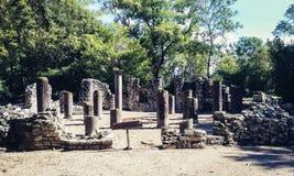 废墟在布特林特国立公园在Saranda萨兰达附近的阿尔巴尼亚南部 库存图片
