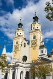 Żółty kościół z góruje w Bressanono Brixen, Italy obraz royalty free