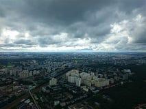 城市日克里姆林宫室外的莫斯科 从奥斯坦金诺电视塔的看法在秋天 库存照片