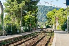 埃兹火车站的外视图 免版税库存照片