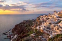 圣托里尼海岛,希腊日落视图  库存图片