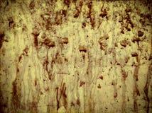 在墙壁上的血液下落 免版税库存图片