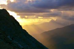 在山的日落,Svaneti 免版税库存照片