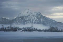 在山Säuling的看法 图库摄影