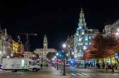 在波尔图市政厅的夜视图  Avenida dos Aliados 葡萄牙 库存图片