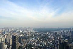 在曼谷地平线的摩天大楼大厦有轰隆Kajao地区视图 免版税库存图片