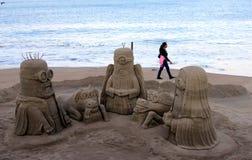 在普埃尔托巴利亚塔岸建立的沙子雕塑  免版税库存图片