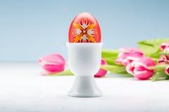 在立场的复活节彩蛋 免版税库存图片