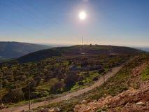 在高山neer黎巴嫩顶部的好天气 库存照片