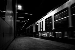 在隧道的地铁 库存图片