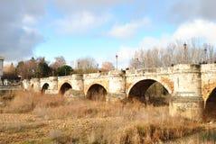 在Besnega河,Leà ³ n西班牙的桥梁 免版税库存图片